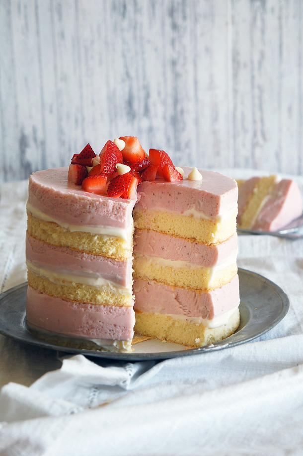 Recipe: Layered Roasted Strawberry & White Chocolate Cheesecake