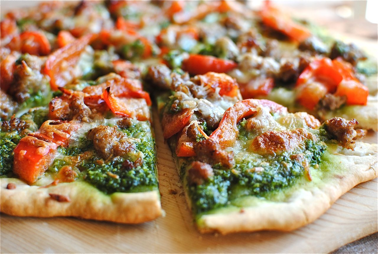 Recipe: Sausage, Red Bell Pepper & Spinach Pesto Pizza