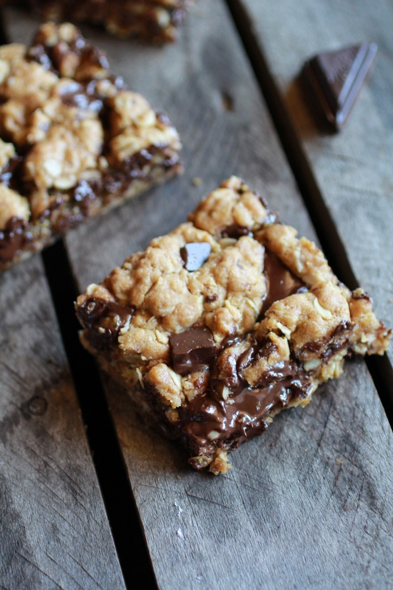 Recipe: Healthy Dark Chocolate Chunk Oatmeal Cookie Bars